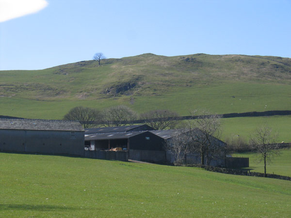 Looking up to Cragg Farm